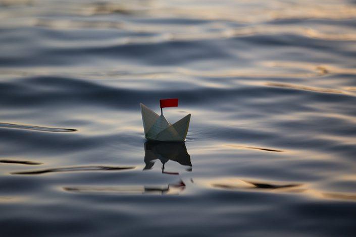 قایقی کاغذی روی آب، الهام بخش امنیت شغلی
